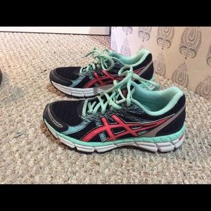 ASICS running shoes size 6.5